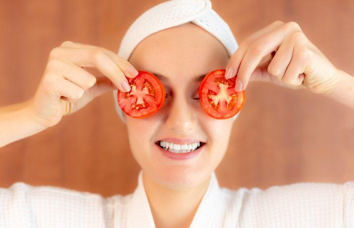 7 erstaunliche Möglichkeiten, Tomaten für deine Gesichtspflege zu verwenden